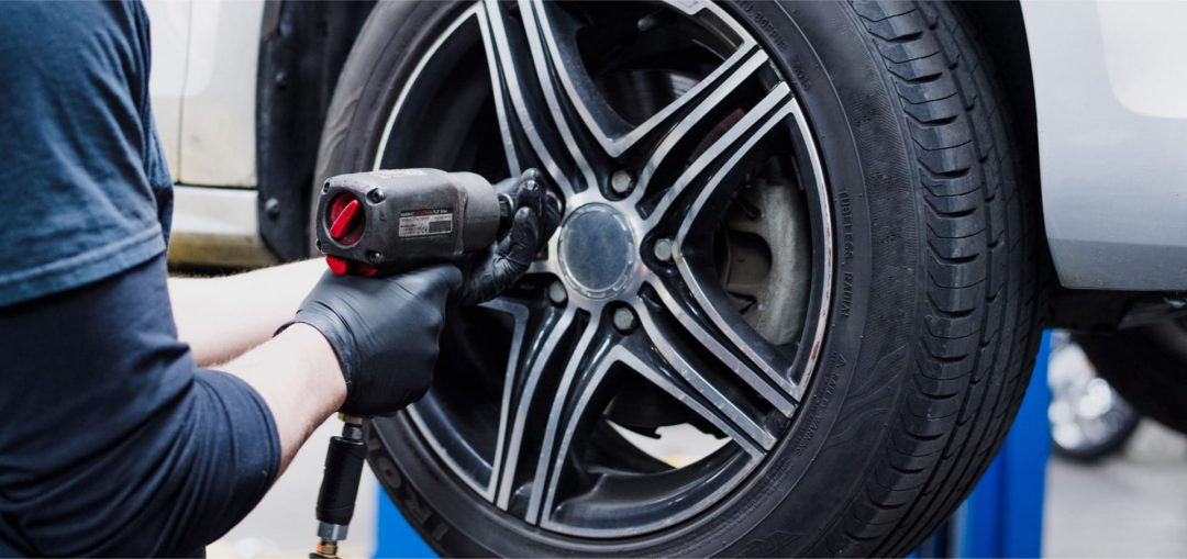 local auto mechanic servicing cars in Redcliffe, Clontarf, Margate, Woody Point, Kippa Ring, Newport, & Scarborough